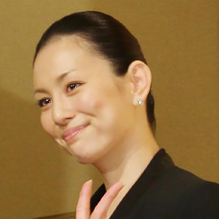 3ヶ月で夫と別居した「米倉涼子」が\u201cマンション内装替え\u201dで離婚