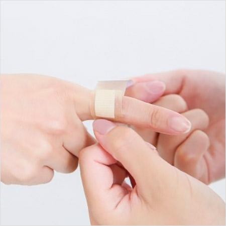 絆創膏 切り傷 こんにちは!加藤早苗です。: 切り傷に「消毒→ガーゼ(絆創膏)」は過去の常識。