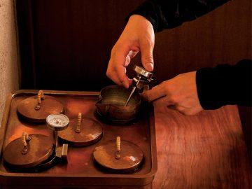 日本酒を深く楽しむ「燗酒」の名店【1】湯島「燗酒嘉肴 壺中」