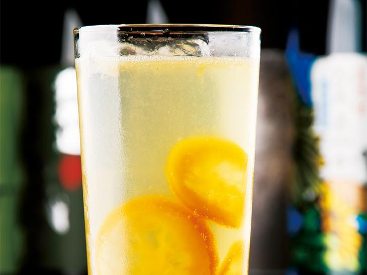 飲み応えのある「リッチレモンサワー」800円。(食楽Web)
