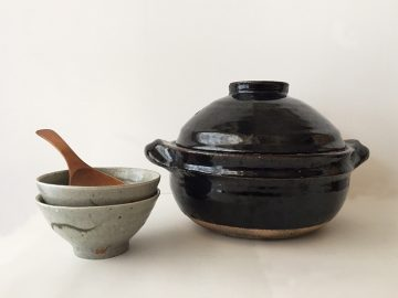 第1回【モノ好きの食卓】伊賀焼の炊飯釜