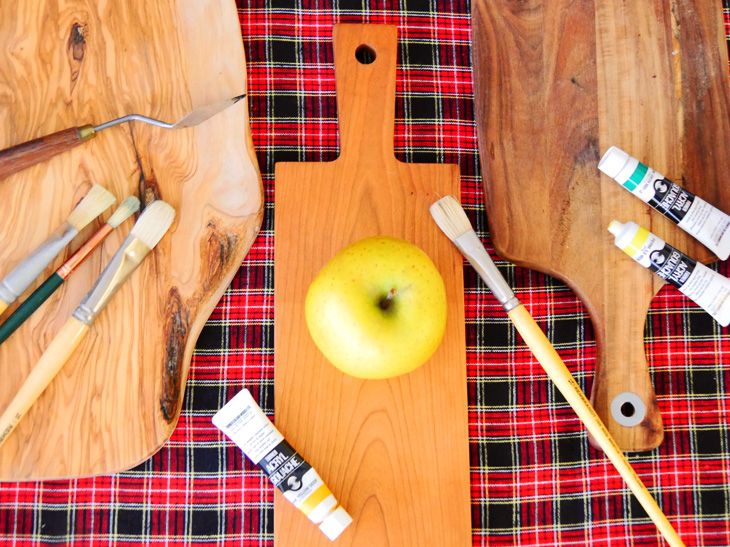 「カッティングボード」をテーブルに!【ザ・キッチン道具マスター05】