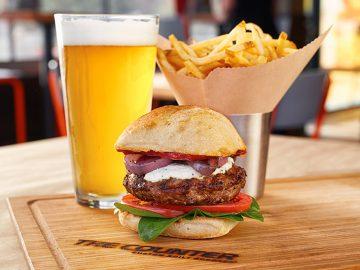 【NEW OPEN】死ぬまでに食べたい!?LA発のハンバーガー店が日本初上陸!