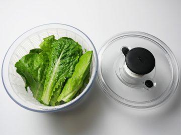 「サラダスピナー」は、サラダの美味しさを左右する、縁の下の力持ち。