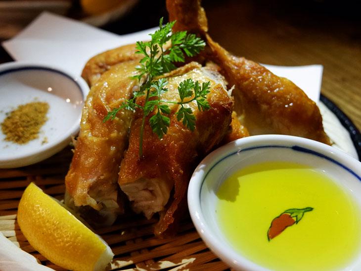 一人前700g!? 極上「大山鶏の素揚げ」を部位別に堪能できる西新宿の名店がスゴい から活日記
