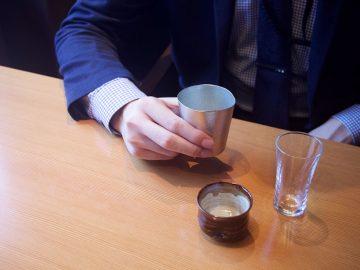 若き酒蔵営業マンが100均グラスに注いだ銘酒は数知れず。【酒器も肴のうち】