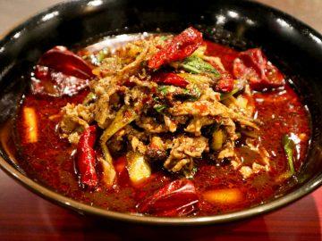 """""""麻辣好き""""がハマりまくる「火鍋ラーメン」は、四川料理を熟知したシェフの渾身作!"""