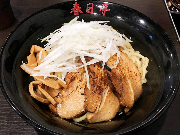 「炙りバラ肉しょうゆ油そば」(並780円)