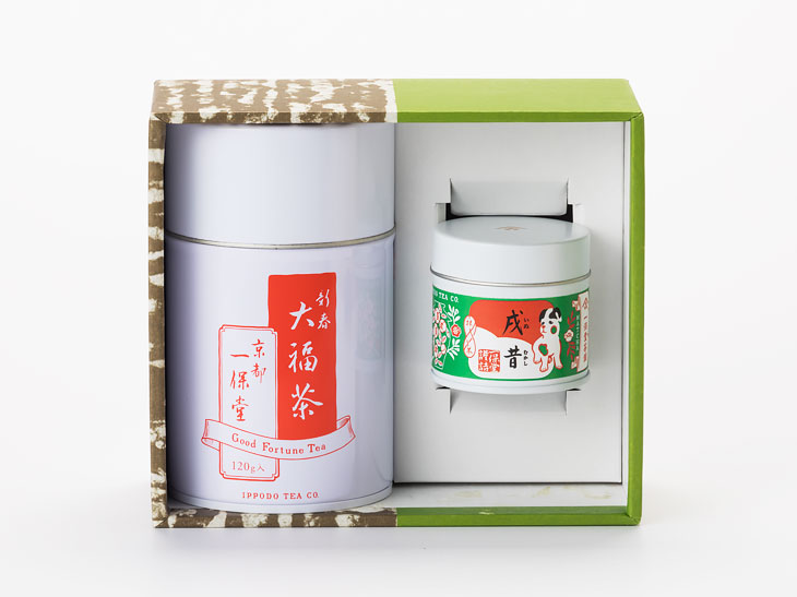 大福茶(120g)中缶箱・新春用特別抹茶 戌昔(20g)詰め合わせ3,132円(1月15日まで)。このほかにも各種詰め合わせがある。