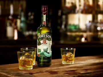 今年はどんなデザイン? アイリッシュウイスキー「ジェムソン」2018年限定ボトルが登場
