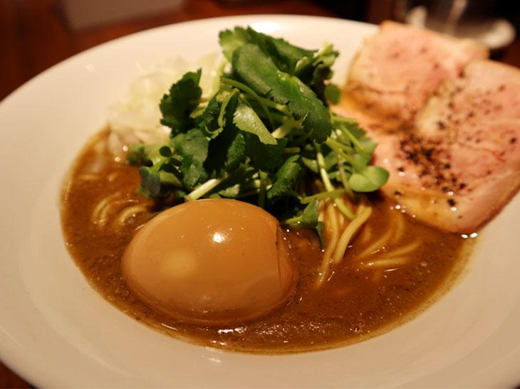 ニボラーがうなる魔性のラーメン店『麺屋 ねむ瑠』。「烏賊煮干し」の絶品濃厚スープとは?
