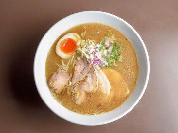 鶏と鰹節の黄金比。三鷹に登場したラーメン『鶏こく中華すず喜』が旨すぎる!