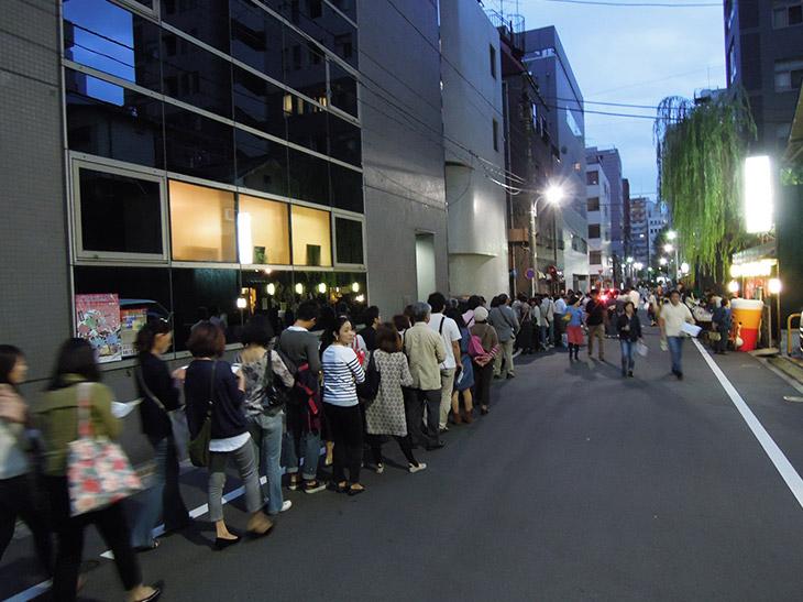 新富町29店舗で自由にはしご酒! 名物「はしご酒イベント」が今年も4月に始まるよ!