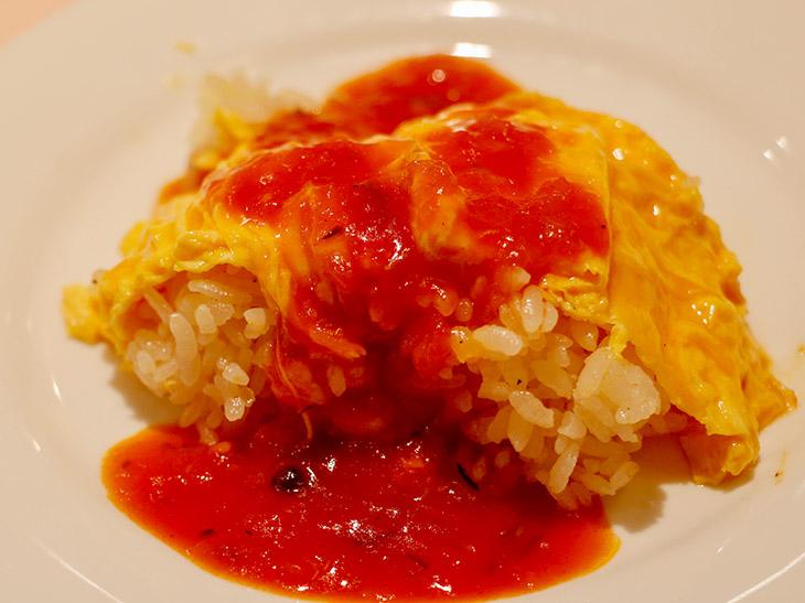 今までで一番旨い! とろふわ絶品「オムレツライス」が名物の洋食店『おまかせ亭』