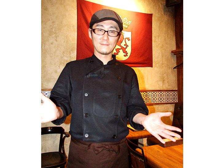 今回のレシピを教えてくれた『スペインバル 青山トロ』の人谷島一生さん