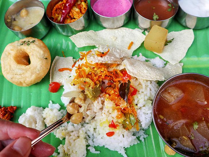 """""""トラさん""""がとうとう店を持った!? 西荻に南インドのミールス屋を開店した『とら屋食堂』が面白い!"""