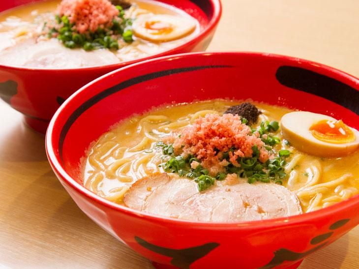 海老の旨みがギュッと詰まった濃厚スープがたまらない! カップラーメンにもなった札幌の行列の絶えないえびそば