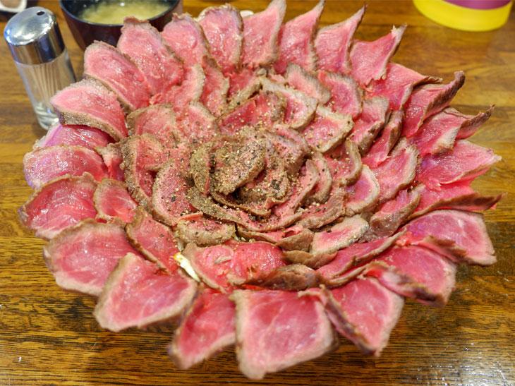 パッと花が開いたかのように美しい「がぶ丼」肉1ポンド