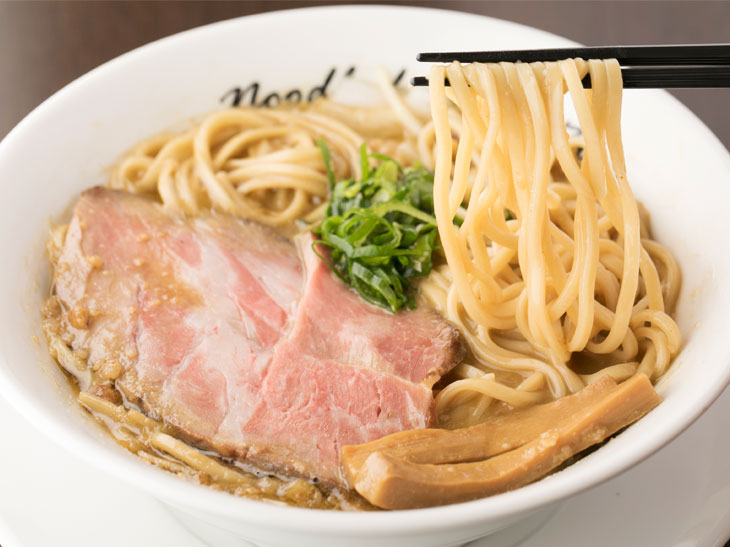 曙橋の超人気店『麺庵ちとせ』が、夜だけ営業の煮干系ラーメン『麺や花よ』をスタート! 洗練され尽くした一杯は必食