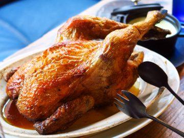 恵比寿の『鶏ビストロTORICOYA』で一羽丸ごと窯焼きチキン「プーレロティ」を堪能してきた