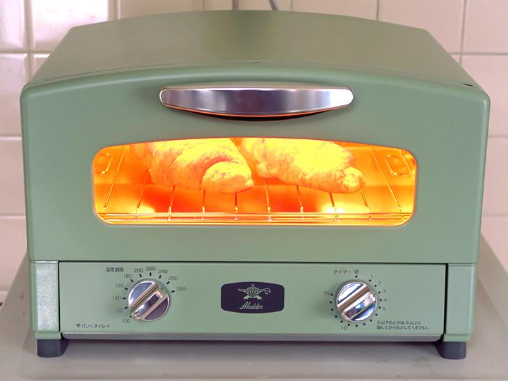高温で一気に焼き上げるアラジンの「グラファイトトースター」は料理好きも大満足の万能トースターだった!