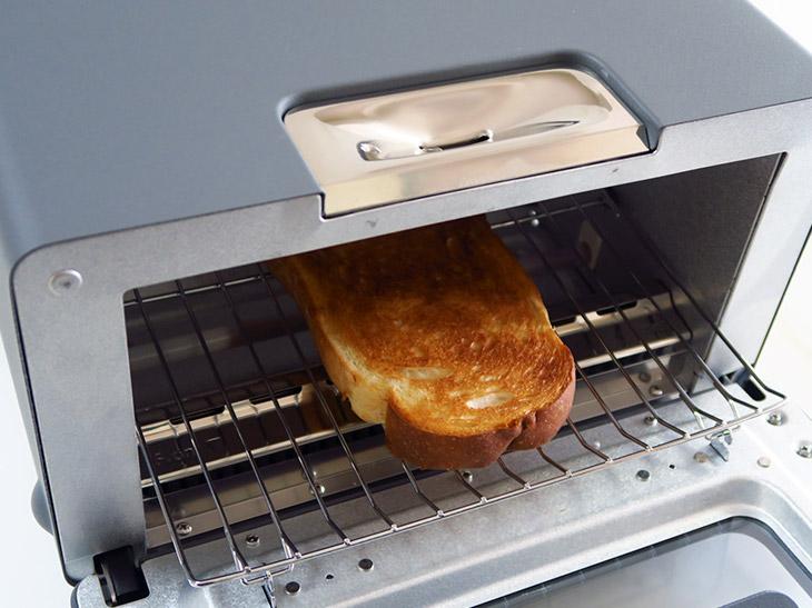 誰もが美味しいと口をそろえる高級トースター「BALMUDA The Toaster」はどう使うのが正解?