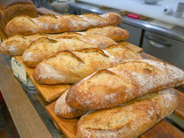 パン好き必見! 全粒粉のバゲットやクロワッサンが秀逸すぎる街のパン屋さん『シーズマンベーカー』は何がスゴい?