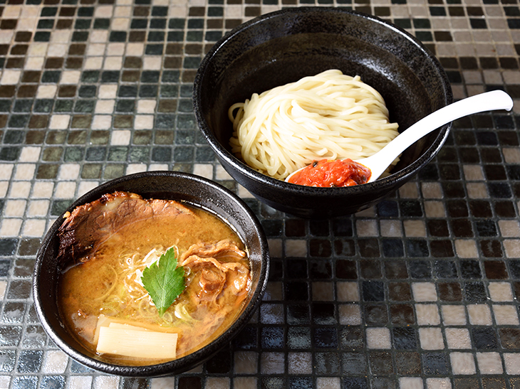 「牛肉汁つけ麺(中盛)」800円