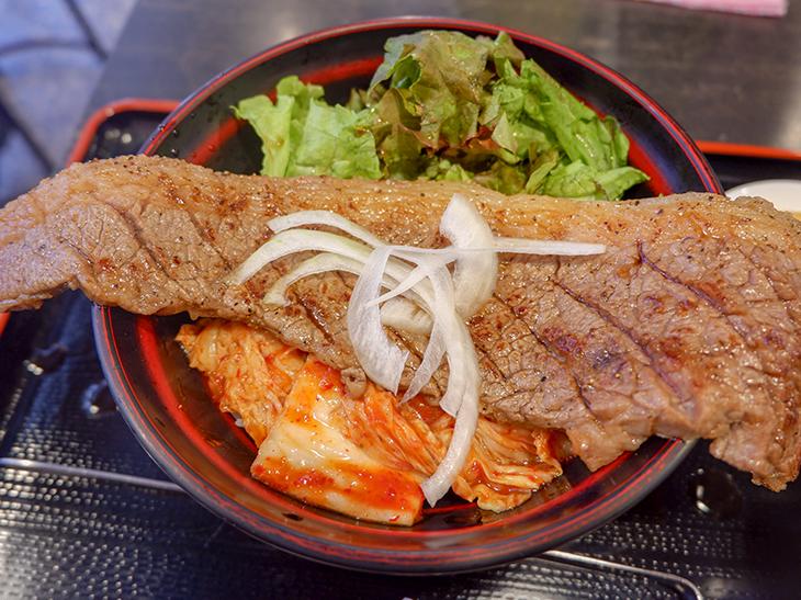 ランチ限定20食! 『高屋敷肉店』のカブリつきステーキ丼を食べてきた!