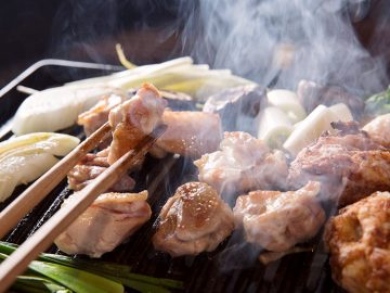 お酒が1杯2円!? 中目黒の地鶏焼肉『鶏ノ屋』で、破格のオープン記念イベント開催