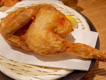 パリパリの音と食感にノックアウト! 『素揚げ酒場 パリパリ』の大山鶏パリパリ半身揚げがスゴかった!