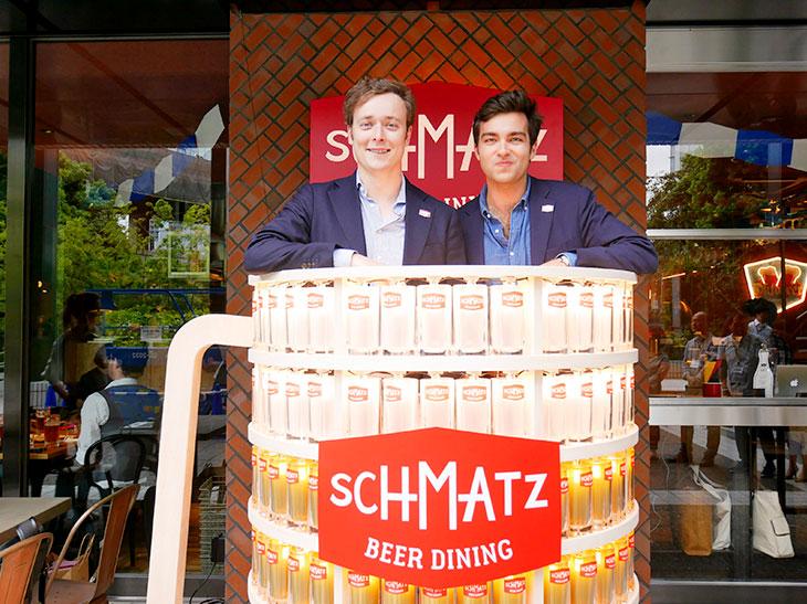 最高責任者であるクリストファー・アックスさん(写真左)と『カイザーキッチン』のパートナーであるピーター・ザイン・ヴィトゲンシュタインさん(写真右)