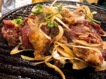 これぞジンギスカンの元祖! カオ羊肉(カオは火へんに考)専門店『北京胡同焼肉』が日本初上陸
