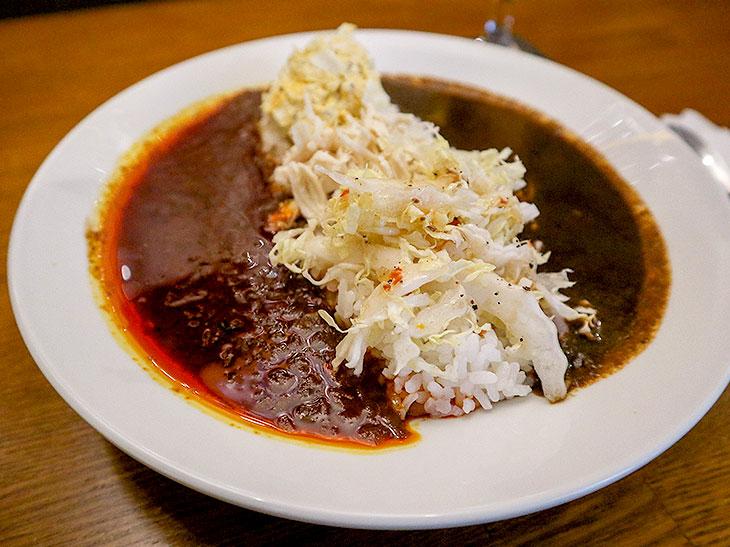 『横浜ボンベイ高田馬場』が姉妹店『赤と黒』を荻窪にオープン! 累計3万食突破の2大カレーを食べてきた