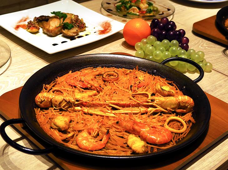 パエリア国際コンクールチャンピオンのパエリア専門店「ミゲル フアニ」で食べられる「フィデウア」って何?
