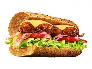 今日から先行販売!『サブウェイ』が肉フェス1位『格之進』とコラボした絶品ハンバーグ入りサンドイッチがスゴい