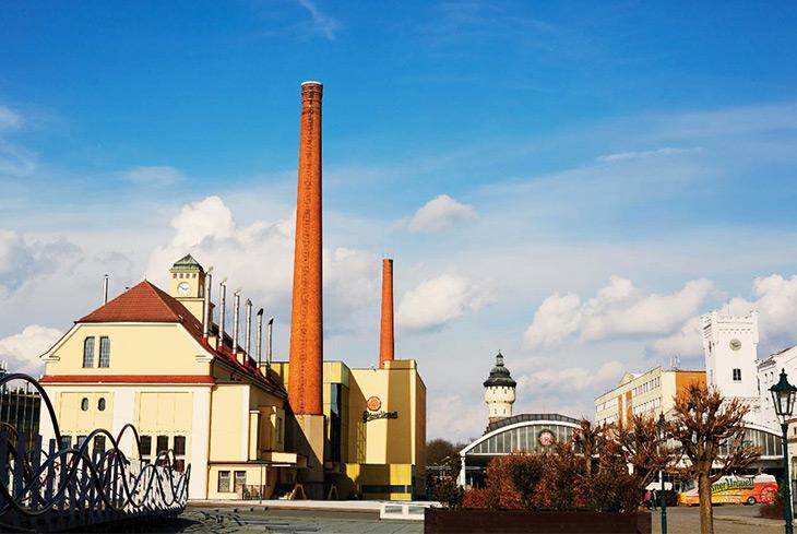 チェコのピルゼンにあるピルスナーウルケルの工場