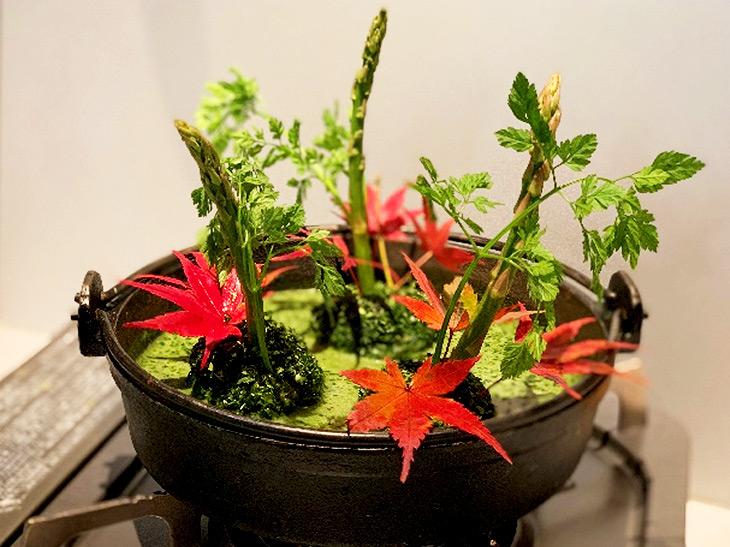 今年の鍋はグリーンがトレンド? 噂の「ケール鍋」と「みどり鍋」を『カフェレストラン エム ナチュール』と『農家の台所』で食べてみた!