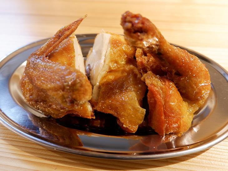 これぞ素揚げの極地! 新宿『鳥の素揚げ ほしの』の絶品「鶏の半身揚げ」とは?