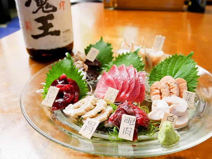 何これ美味しい! 三崎『くろば亭』で味わえるマグロの珍味「全部刺し」とは?