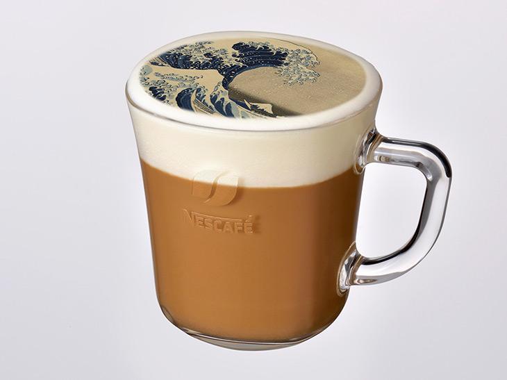 「カフェラテメニュー」1杯と展示作品の「ネスカフェ フォトラテ」1枚の体験セット 300円(税込)