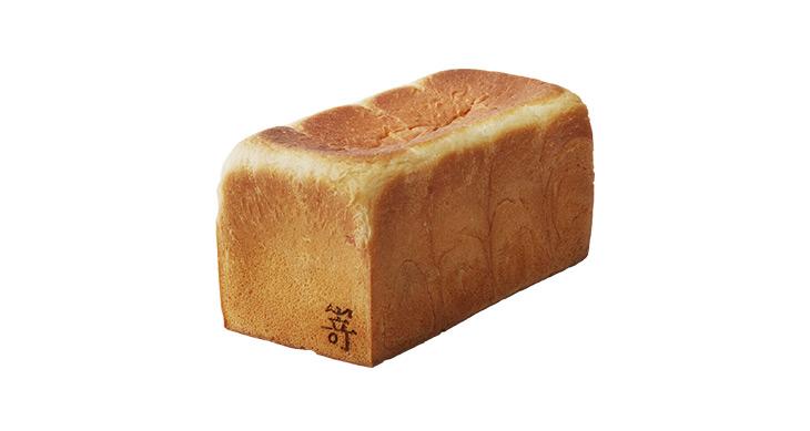 """「極生""""ミルクバター""""食パン」950円/一斤"""