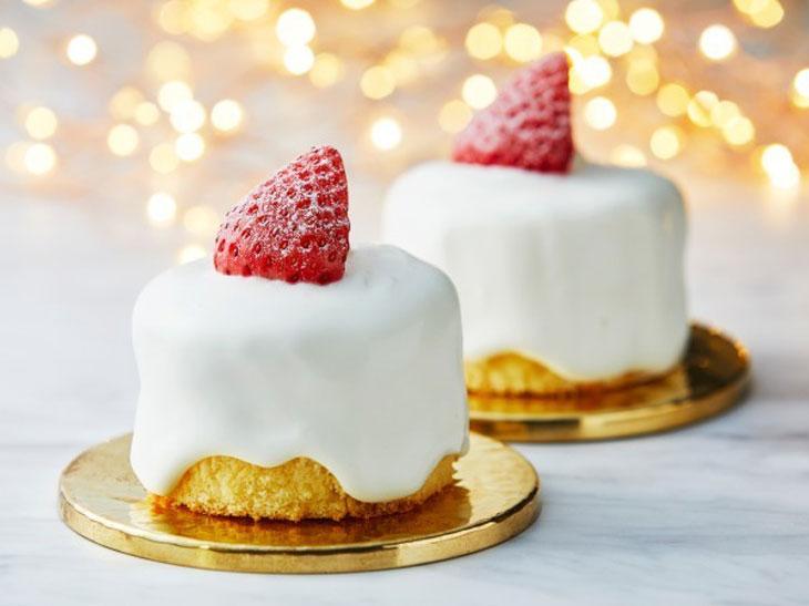 """もう食べた? ローソンの""""おひとり用サイズ""""のクリスマスケーキたちが可愛い!"""