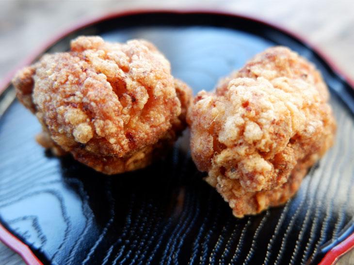 京都一味唐辛子からあげ(写真は50g)。じわっとくる辛さがなんとも上品
