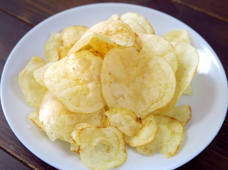 ポテトチップスの食感が復活するだけでなく、できたての香りや味わいも楽しめる