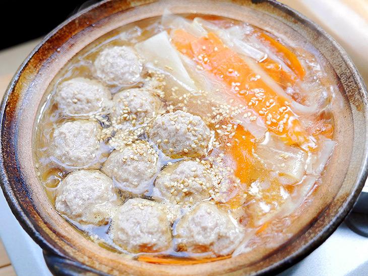 すぐできる男子つまみ! 寒い日にガッツリ食べたい「生姜入り肉団子の熱々ひとり鍋」レシピ