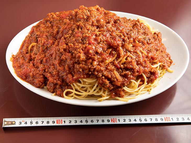 「元帥」1,800円。約36cmのオーバル皿に山盛りになっています