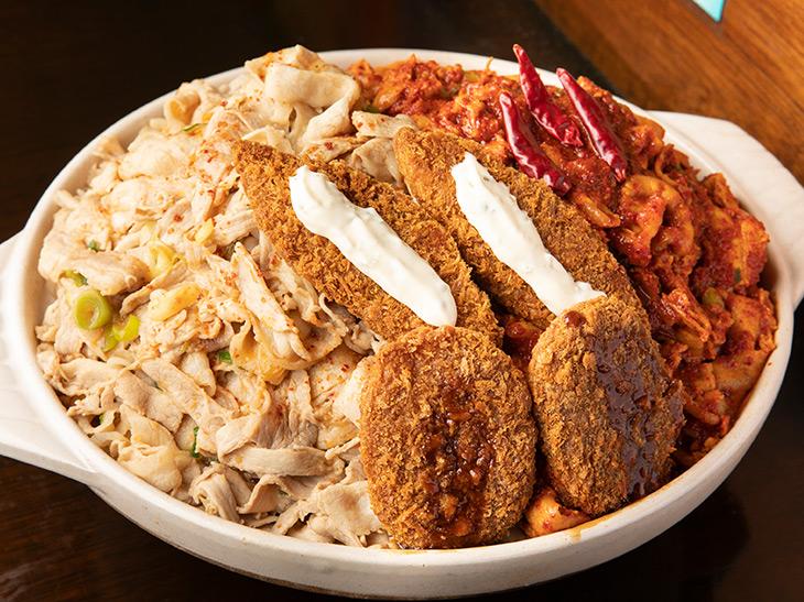 東京最大級のデカ盛り6kg超え! 『爆肉丼の店 七色』の「食王盛」に挑んできた