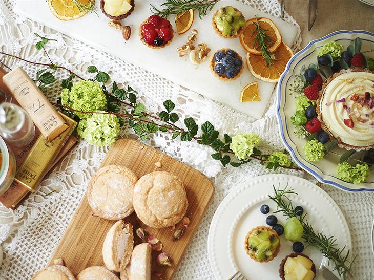 """この春のイチオシ手みやげはコレ! テーブルも心も彩る『日比谷花壇』の""""お花スイーツ""""とは?"""