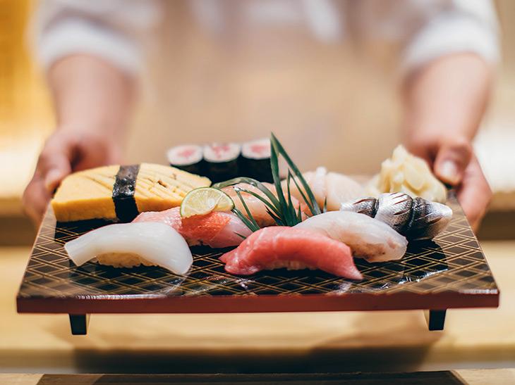 現役トレーナーに聞く筋肉メシ! 筋肉に最強のご馳走は「寿司」である